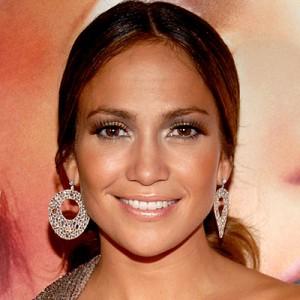 Jennifer Lopez mit künstlichen Wimpern